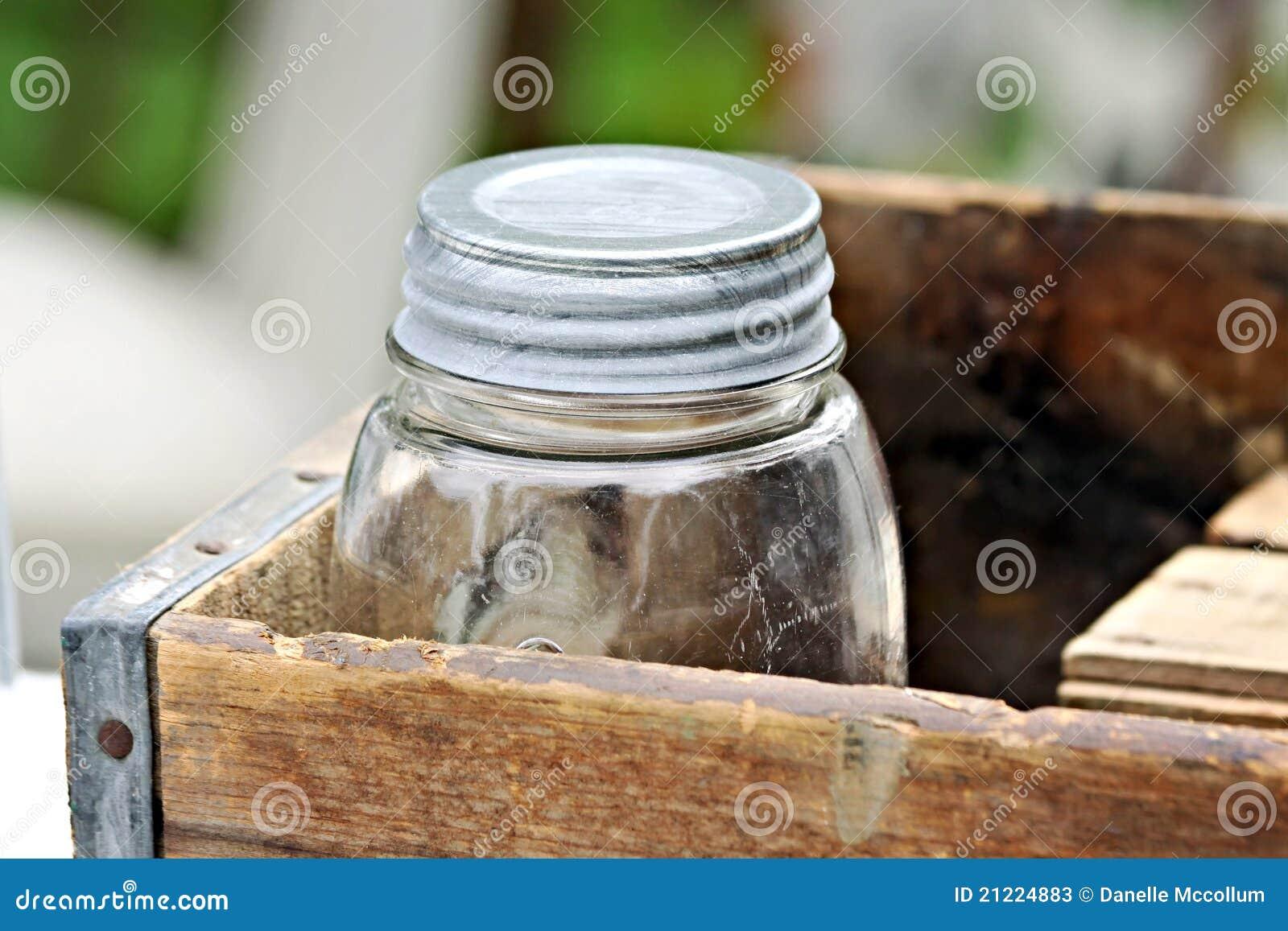 Vecchio vaso in casella