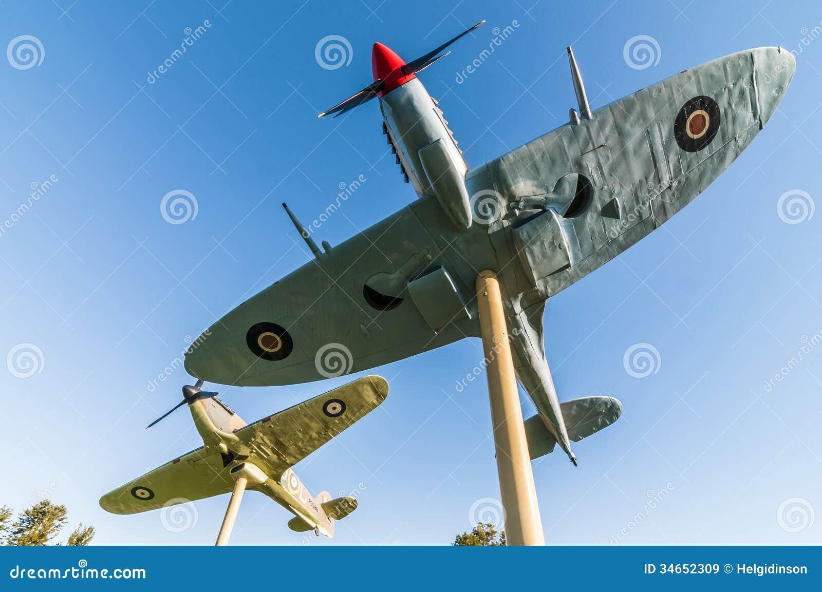 Vechtersvliegtuigen op een stok