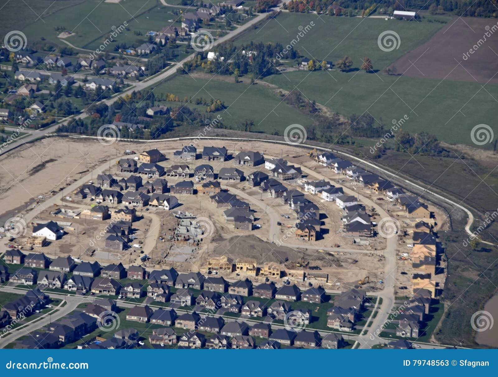 Vecindad residencial de Orangeville, aérea