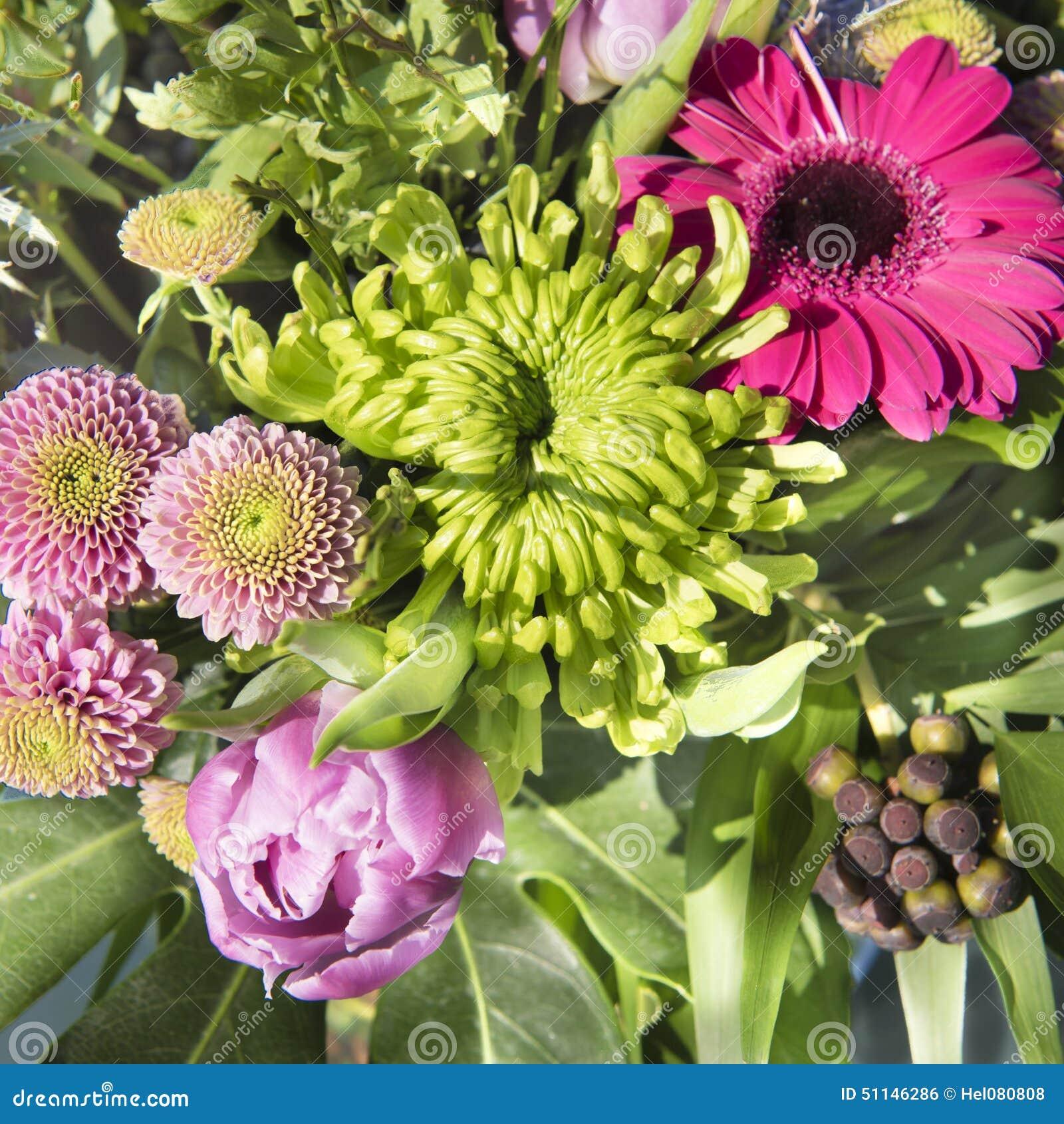 Vecteur lumineux d 39 illustration de fleur de bouquet photo for Bouquet de fleurs lumineux