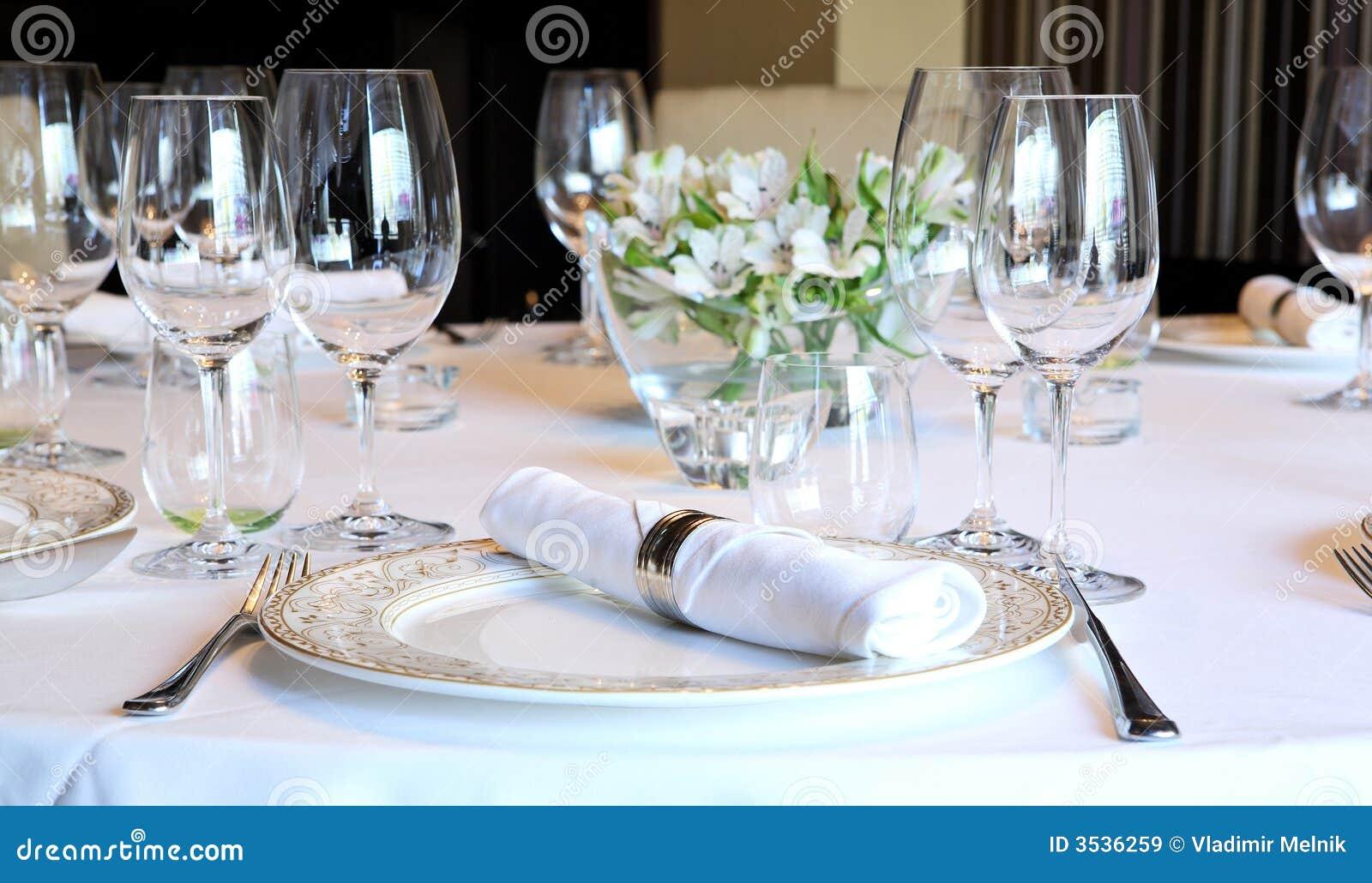 Vector de lujo fijado para una cena