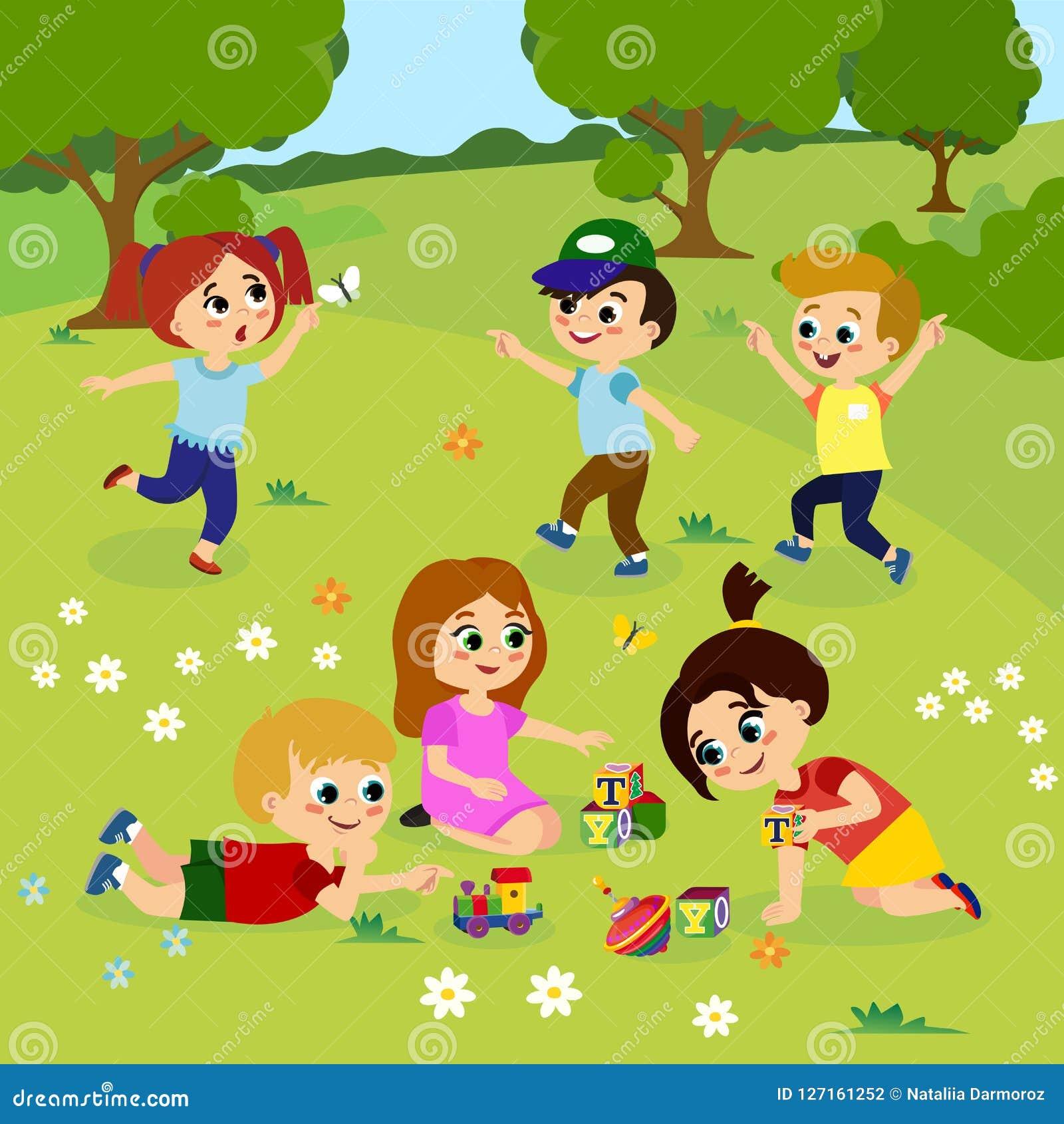 Vectorillustratie die van jonge geitjes buiten op groen gras met bloemen, bomen spelen Gelukkige kinderen die op de werf spelen m