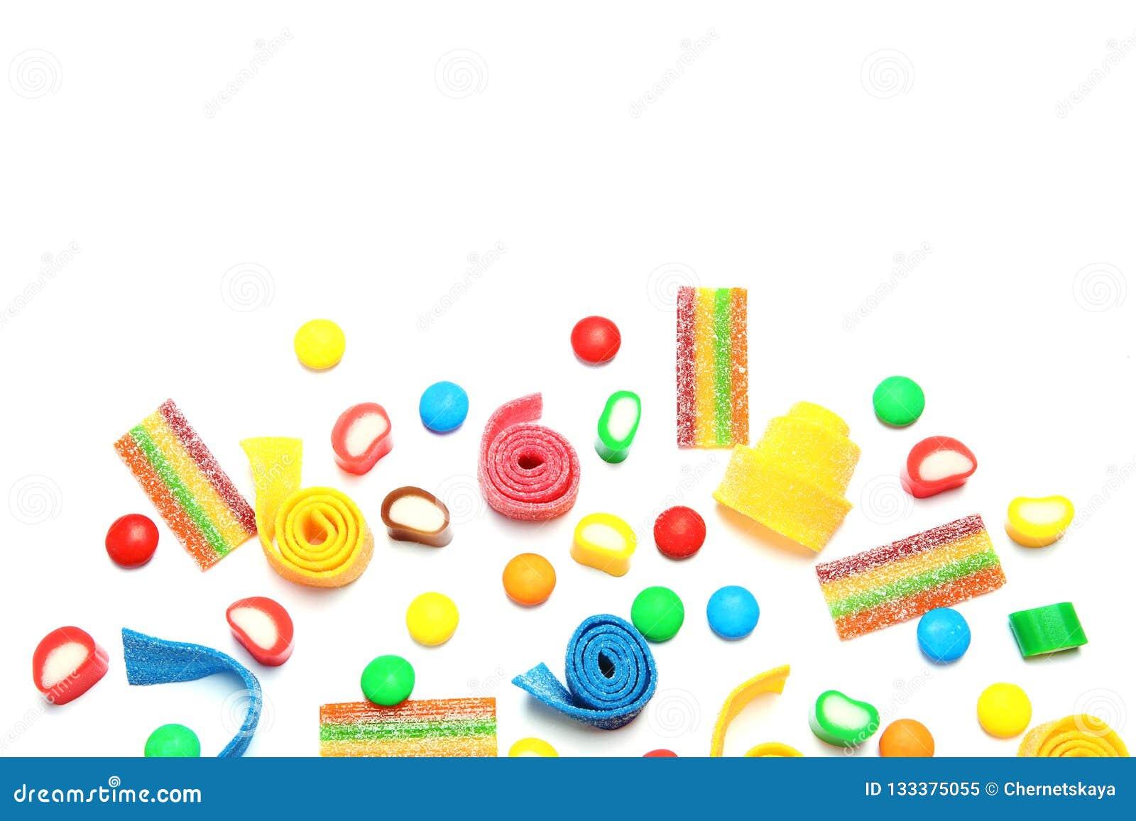 Veel verschillend yummy suikergoed op witte achtergrond, hoogste mening