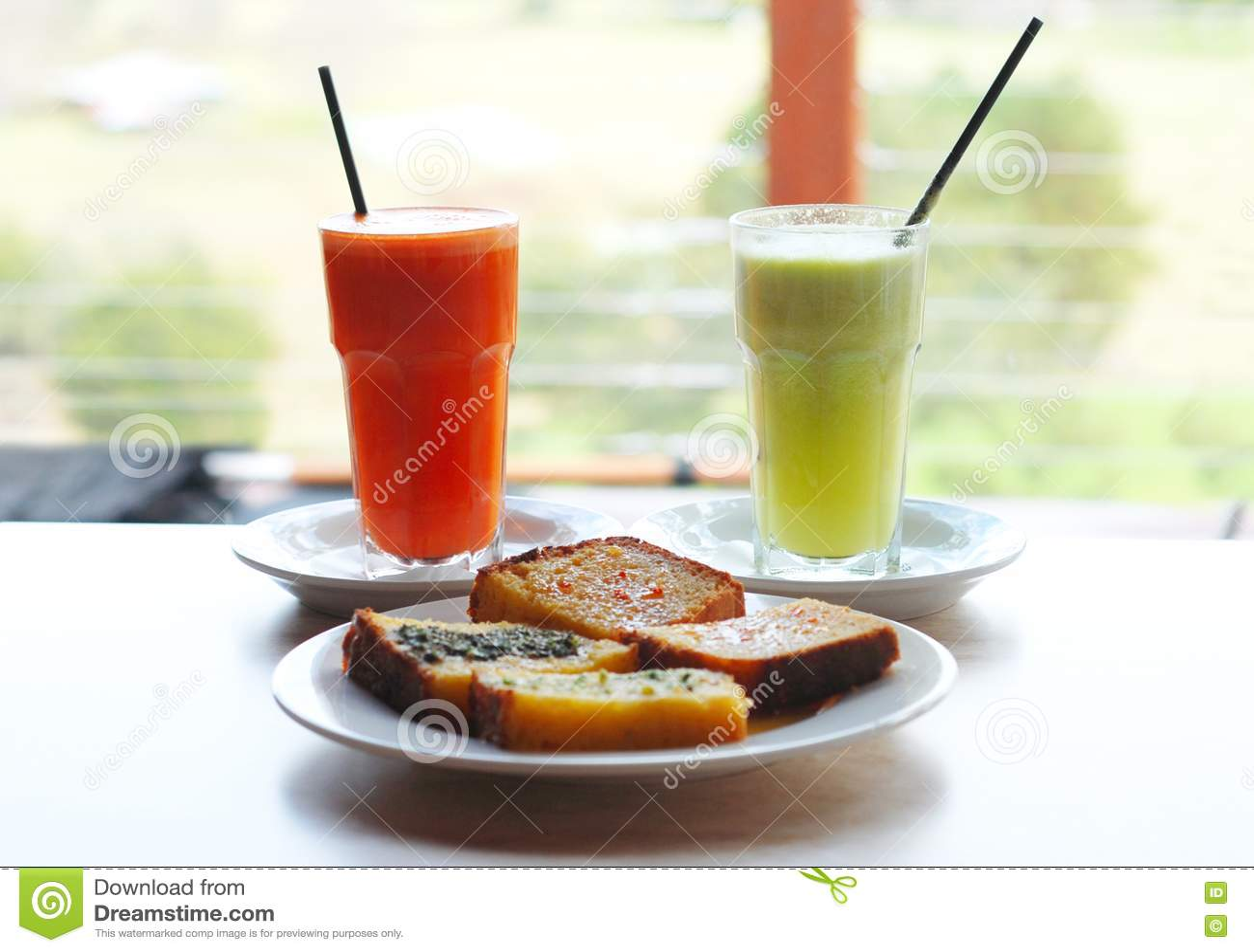 Vegetable Juice & Corn Bread