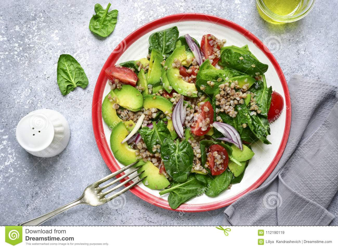 vegetable sald with avocado baby spinach tomato and buckwheat