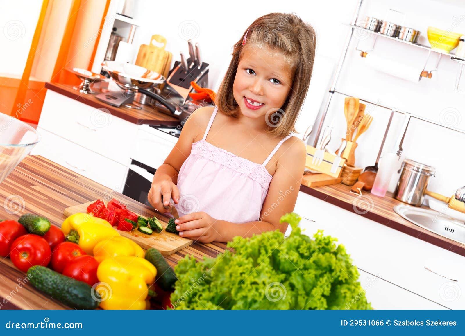 Vegetais da estaca da menina