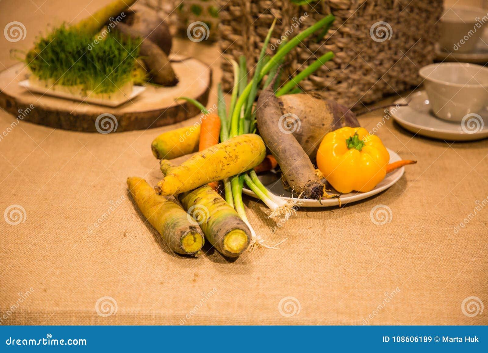 Vegetais servidos na tabela