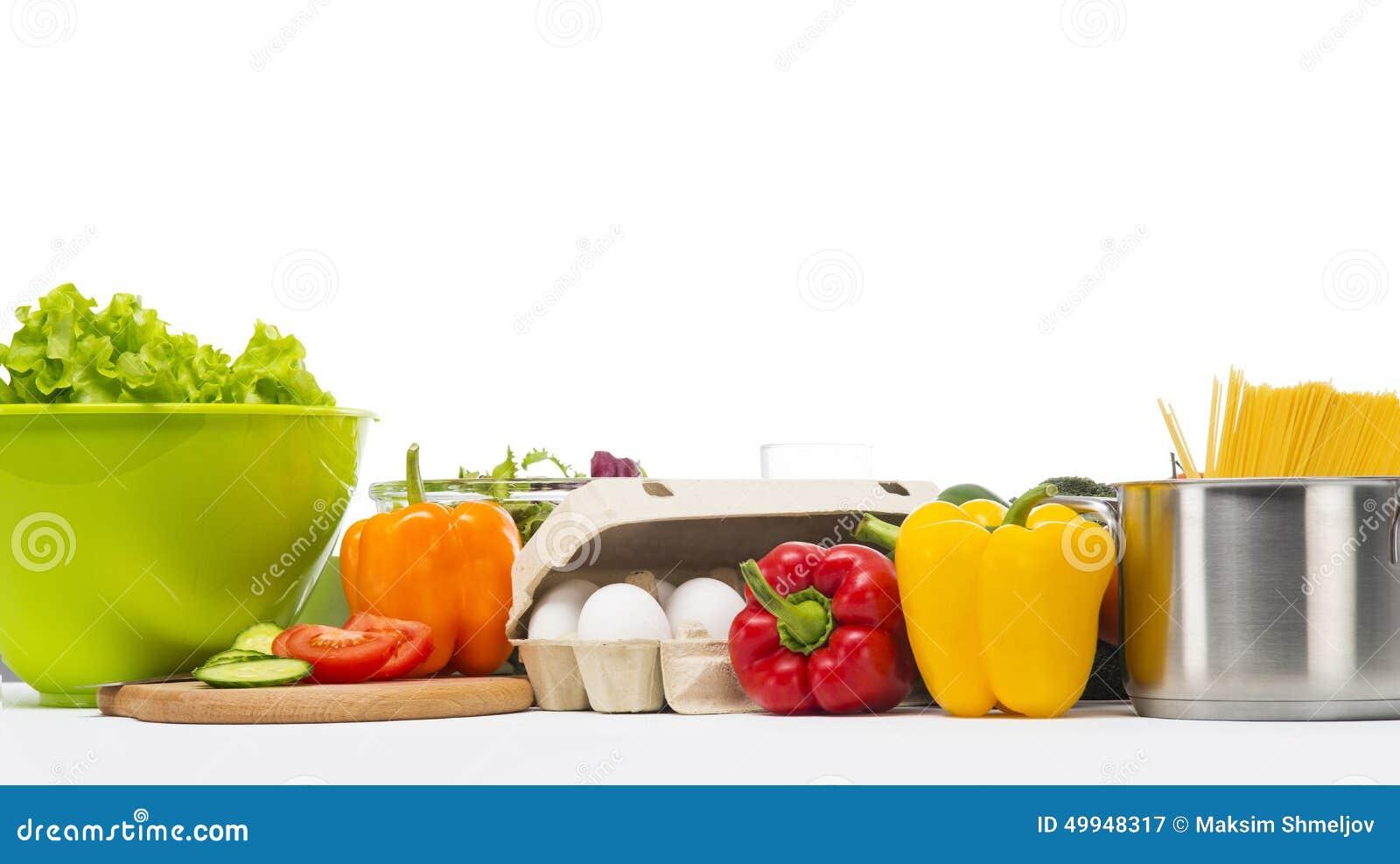 Vegetarisches Nahrungsmittel lokalisiert auf Weiß