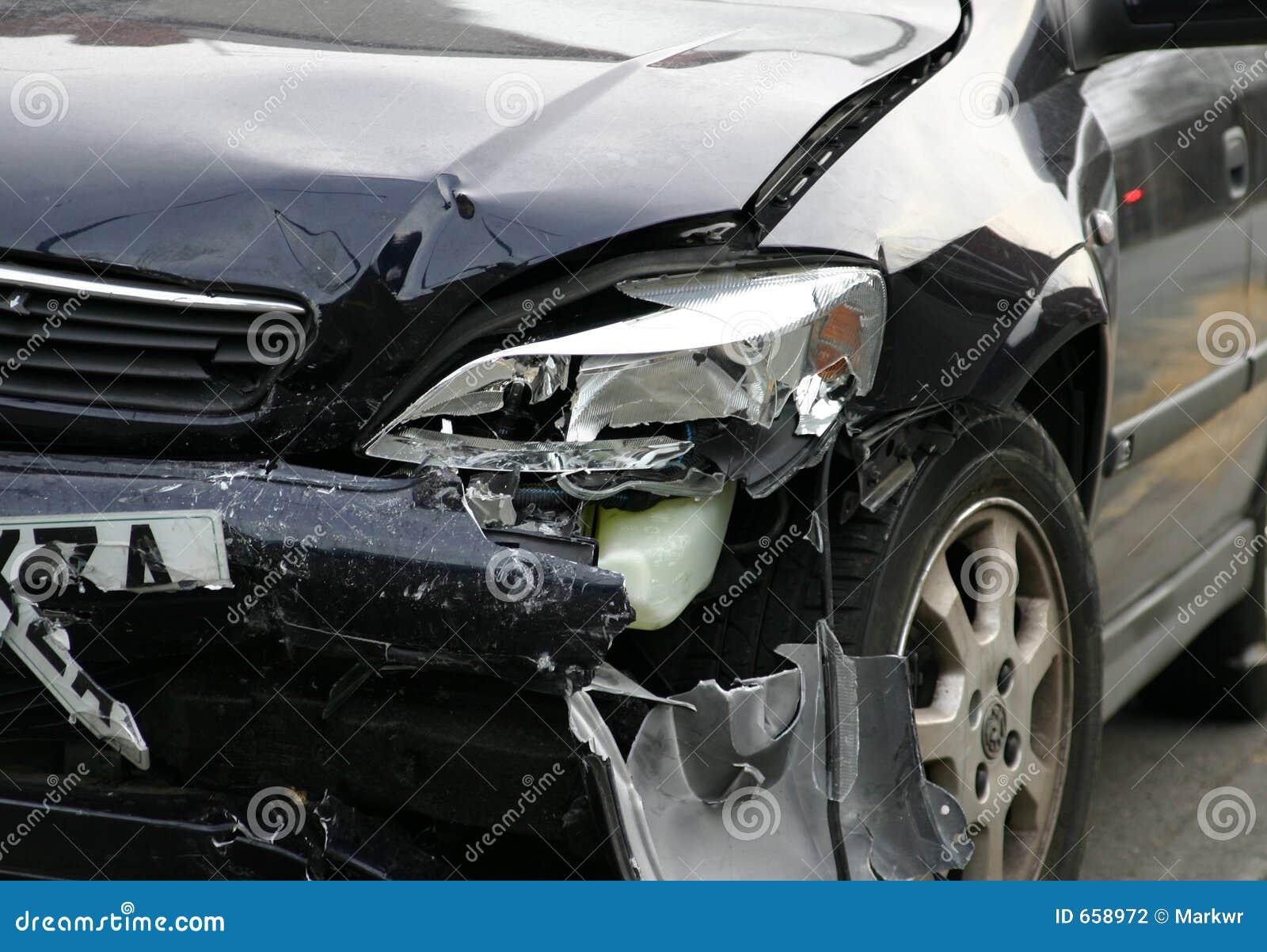 Vehículo dañado accidente
