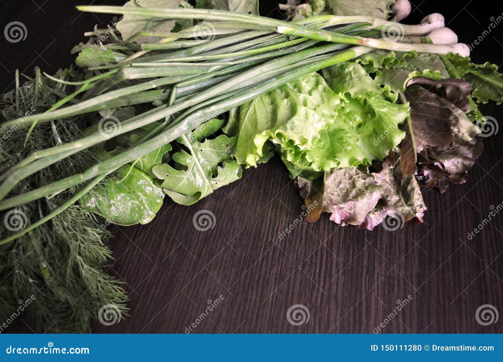Veh?culos verdes Fije de diversas verduras verdes estacionales