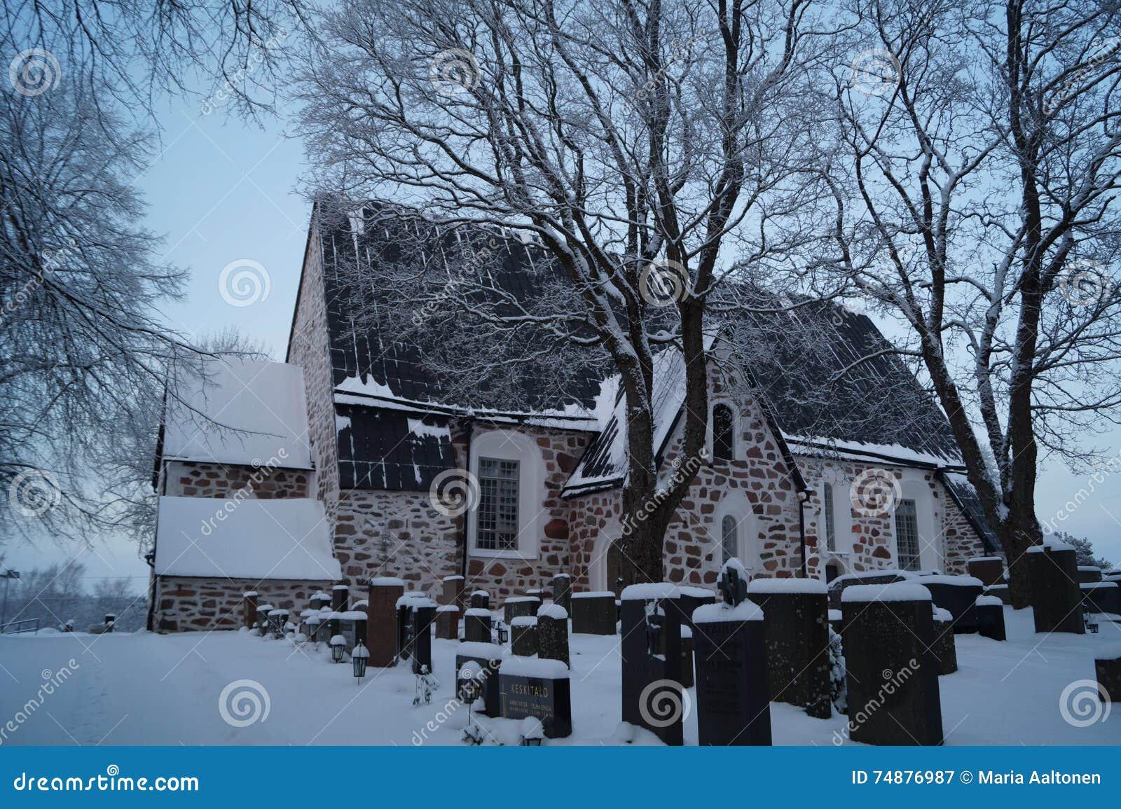 Vehmaa kyrka