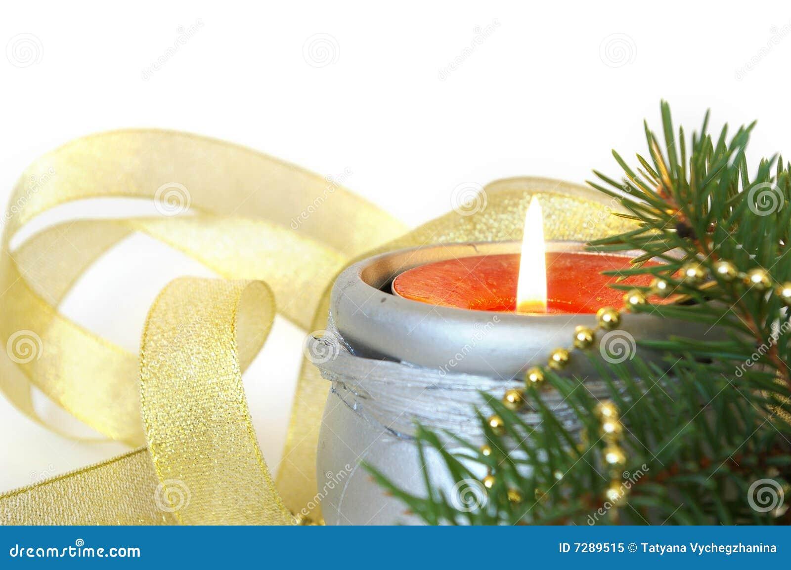Vela de la Navidad en blanco