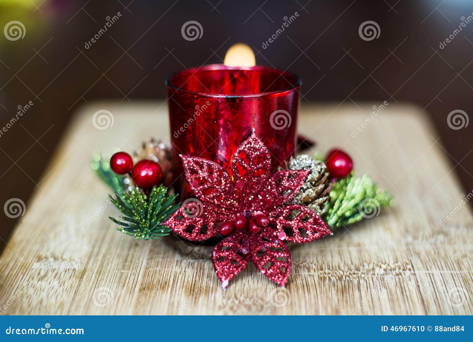 Vela roja de la navidad para la decoraci n casera foto de for Decoracion de navidad casera