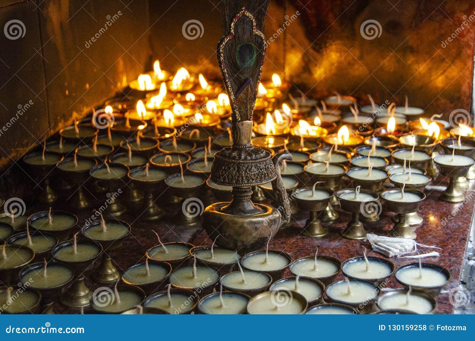 Velas da oração de Buddist, Swayambhu, Kathmandu