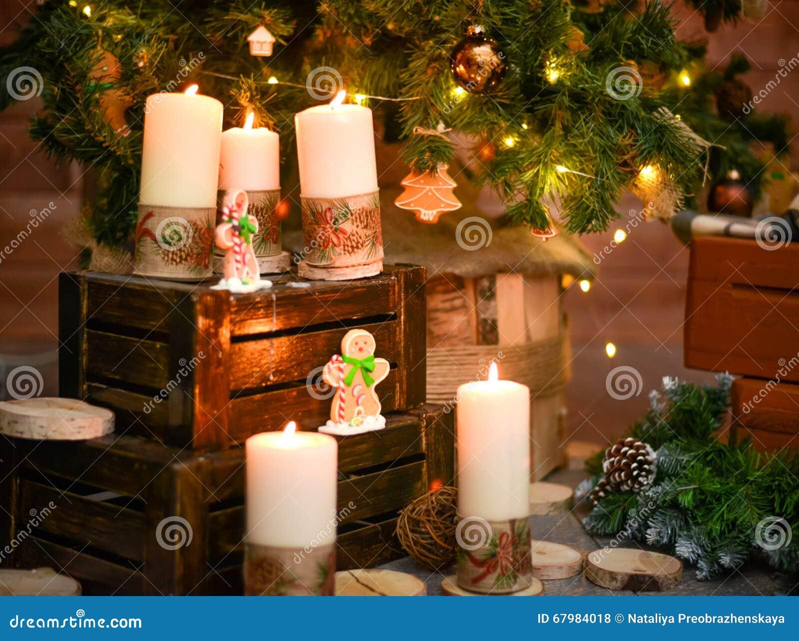 Velas decorativas do natal foto de stock imagem de spruce - Velas decorativas ...