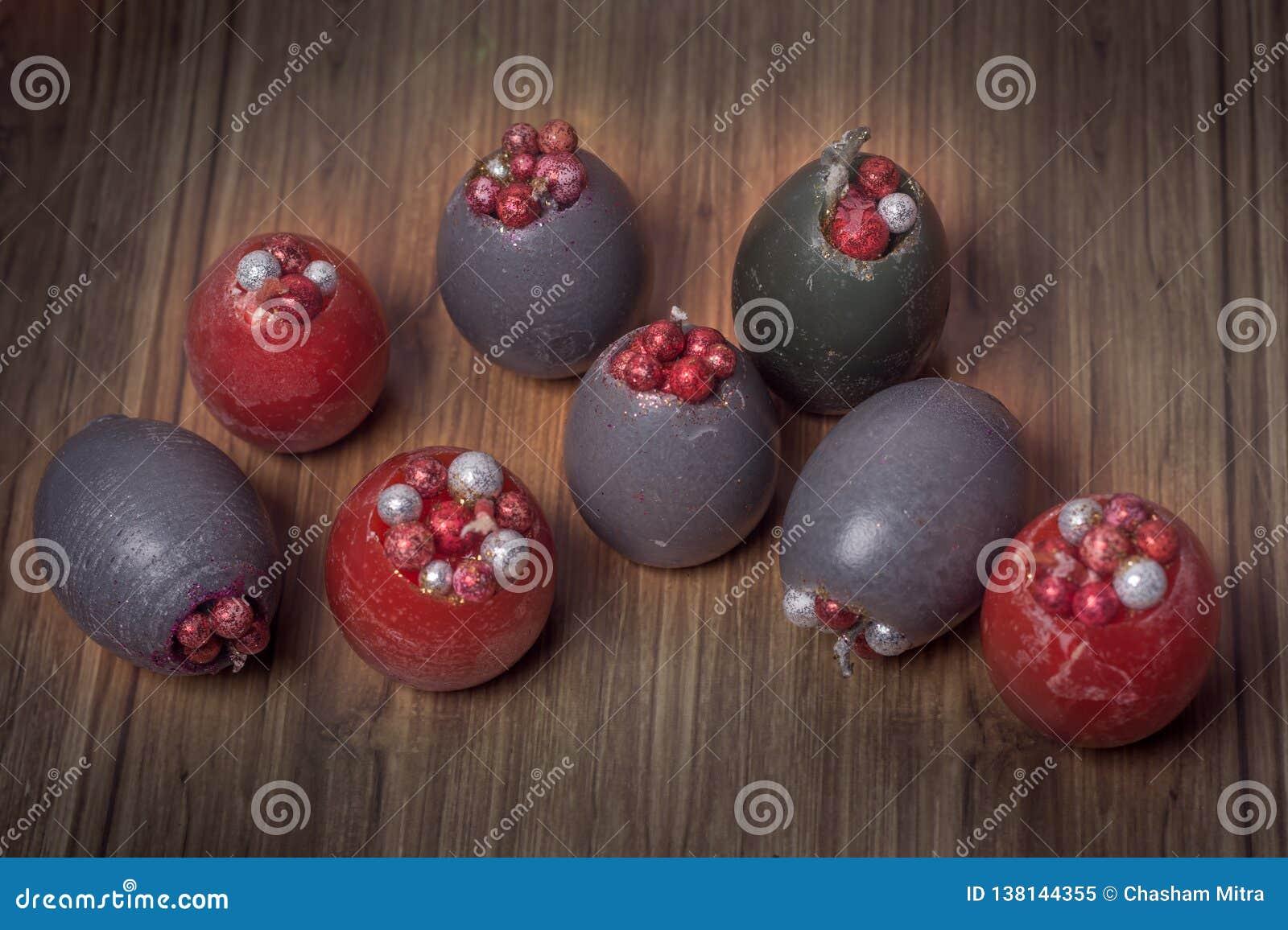 Velas hechas a mano de las tarjetas del día de San Valentín en forma oval