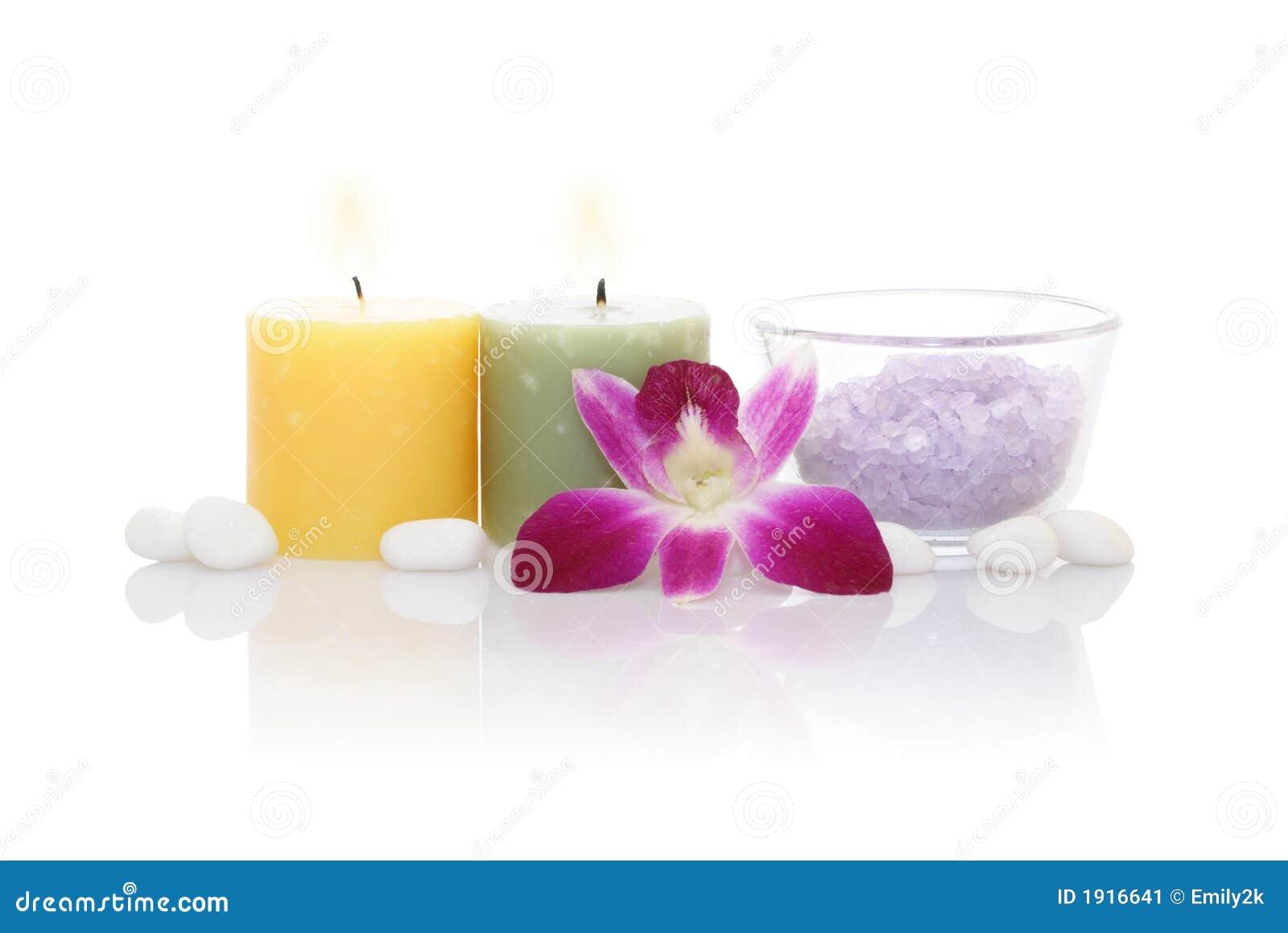 Velas sal de ba o y orqu dea arom ticas imagen de archivo - Bano con velas ...