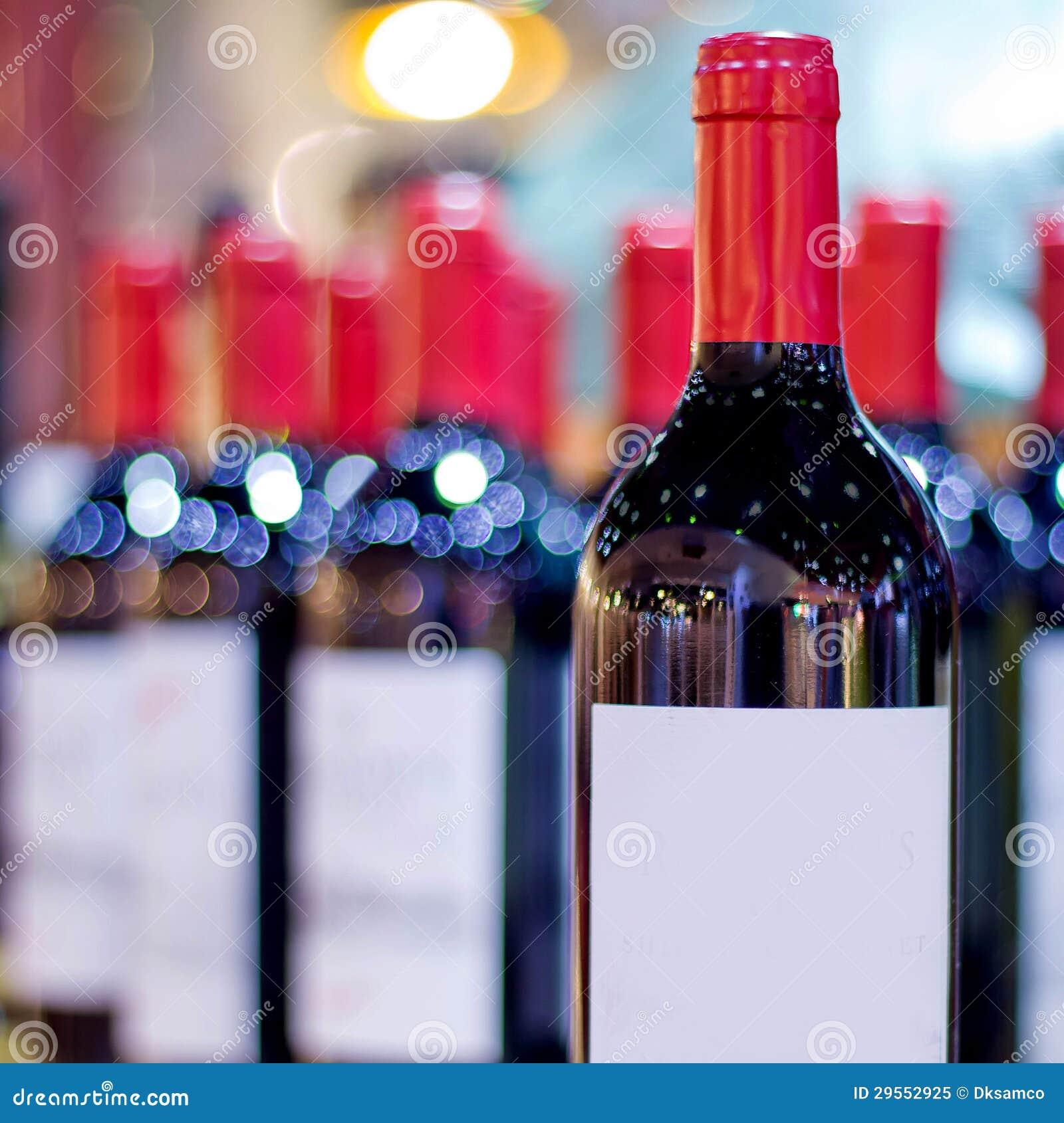 Vele wijnen met onduidelijk beeldachtergrond
