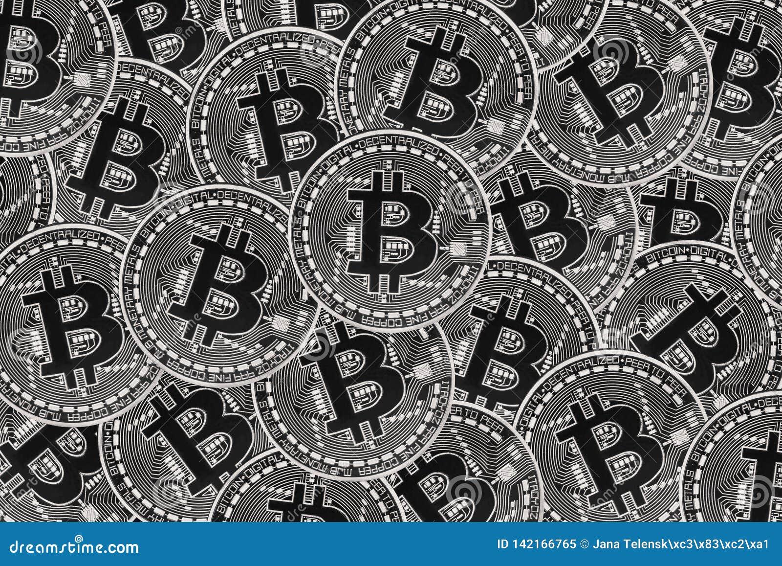 Vele zilveren muntstukken met Bitcoin-teken, het is een cryptocurrencyachtergrond