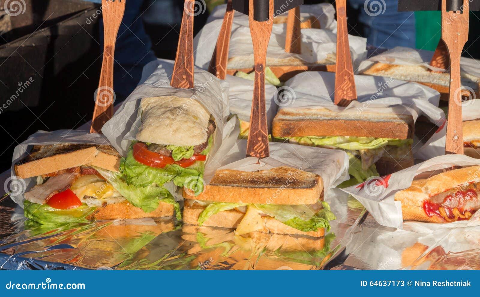 Velen heerlijke verscheidenheid van sandwiches