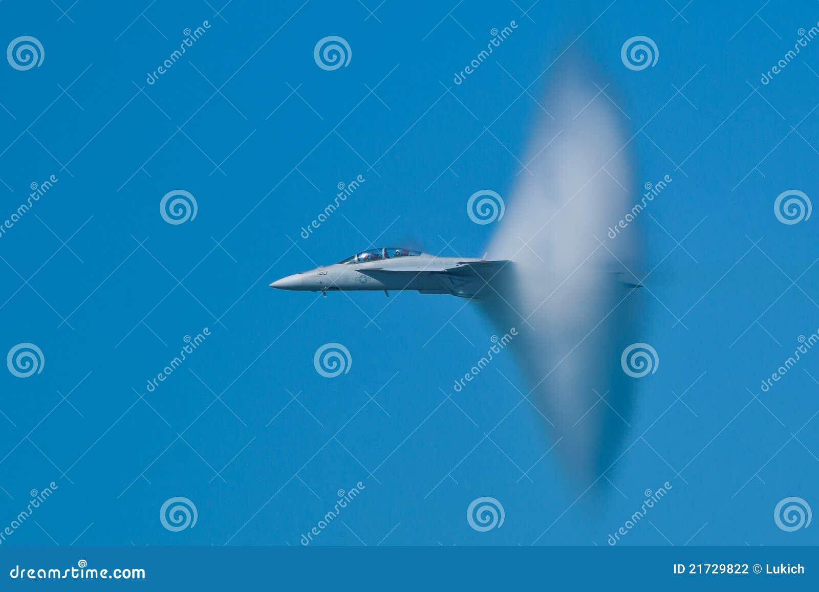 Velivoli eccellenti del calabrone del Boeing F/A-18F