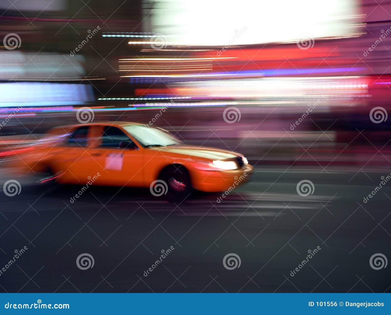 Velocidades do táxi através das ruas