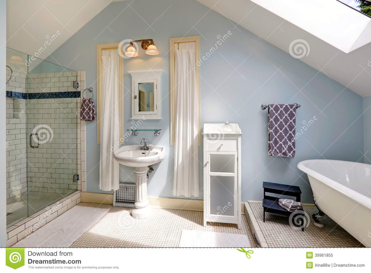 Picture of: Velux Bathroom With Antique Bath Tub Stock Image Image Of Cabinet Space 39961855