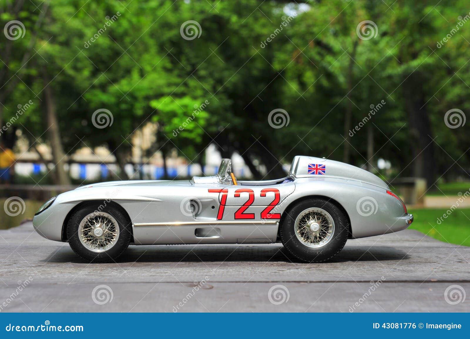 Download Vencedor Sir Stirling Moss De Mercedes Benz 300 SLR Mille Miglia  Foto Editorial