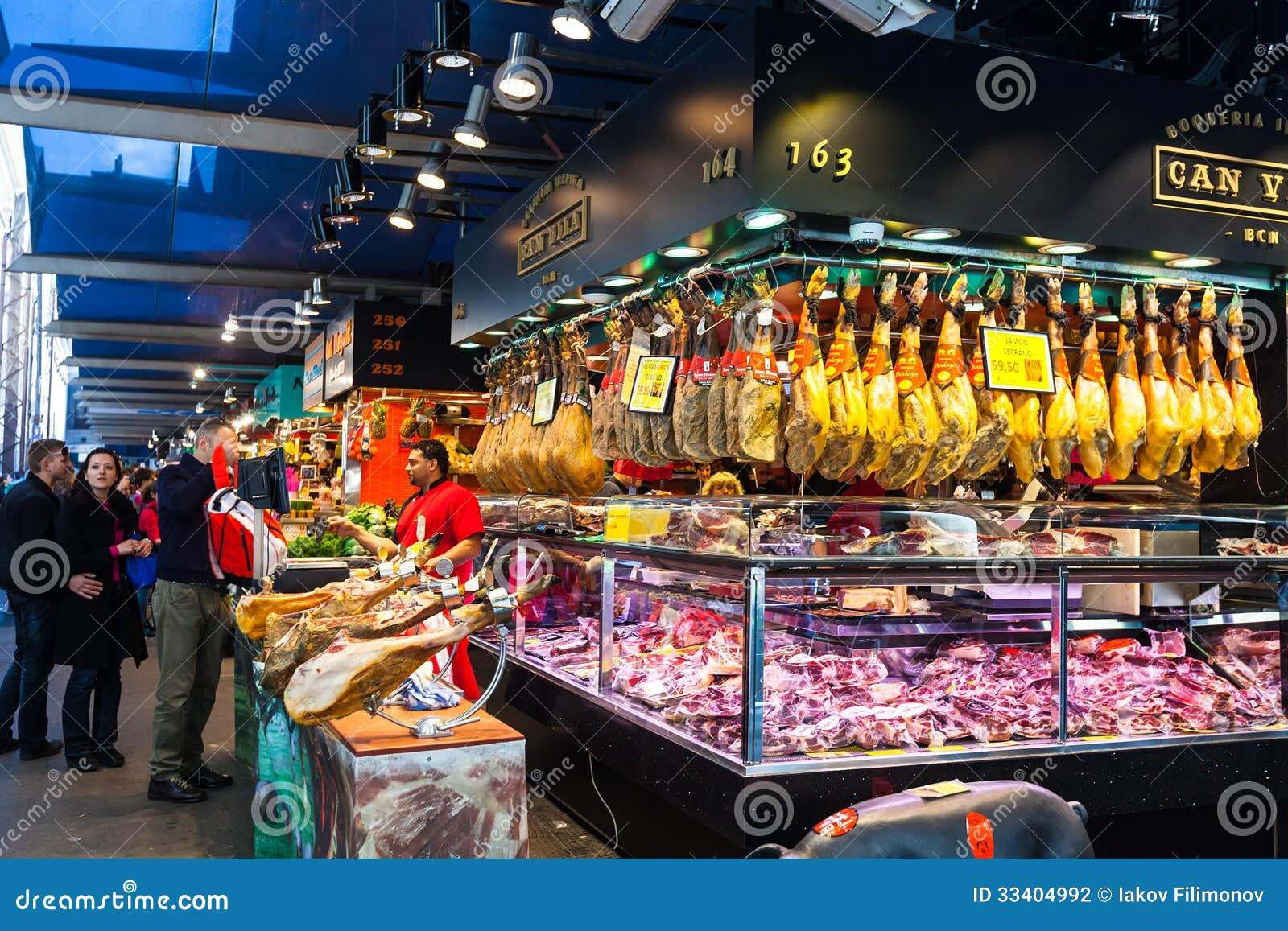 Vendedor de la carne en el mercado de boqueria barcelona - Mercados de segunda mano barcelona ...