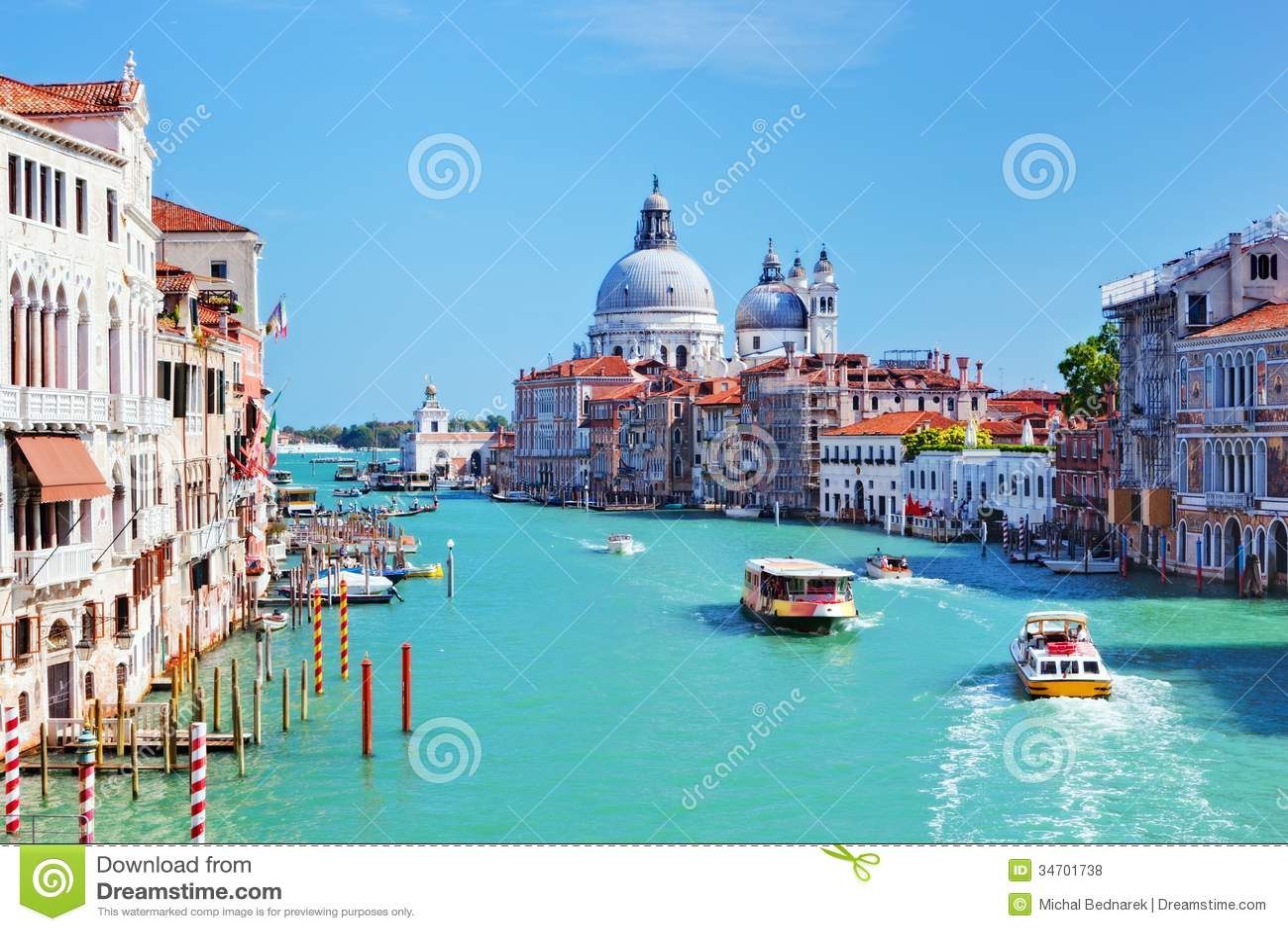 Venedig, Italien. Grand Canal und Basilika Santa Maria della Salute