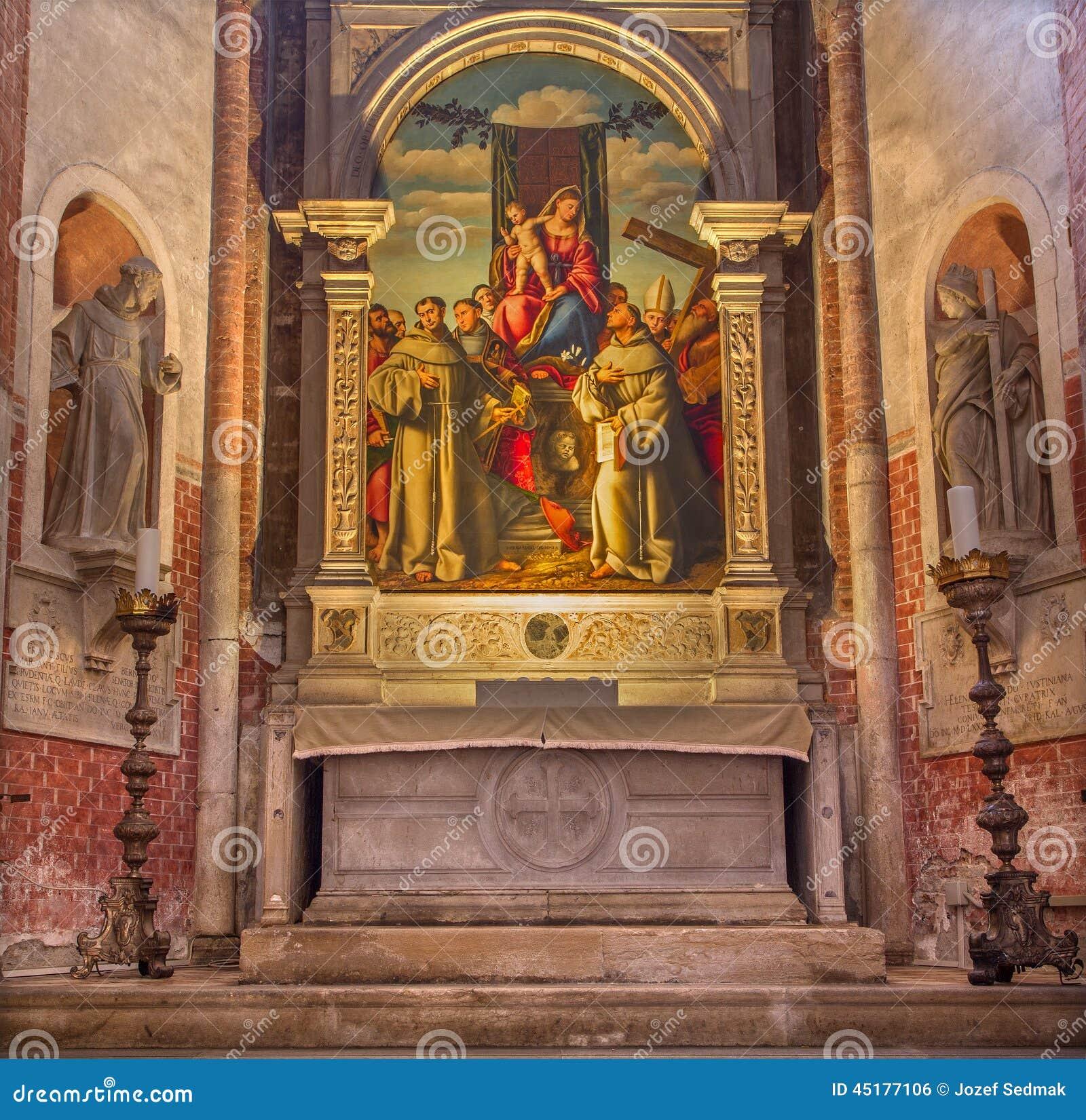 VENEDIG, ITALIEN - 12. MÄRZ 2014: Madonna mit den ersten Franziskanermärtyrern in Kirche Basilikadi Santa Maria Gloriosa-dei Frar