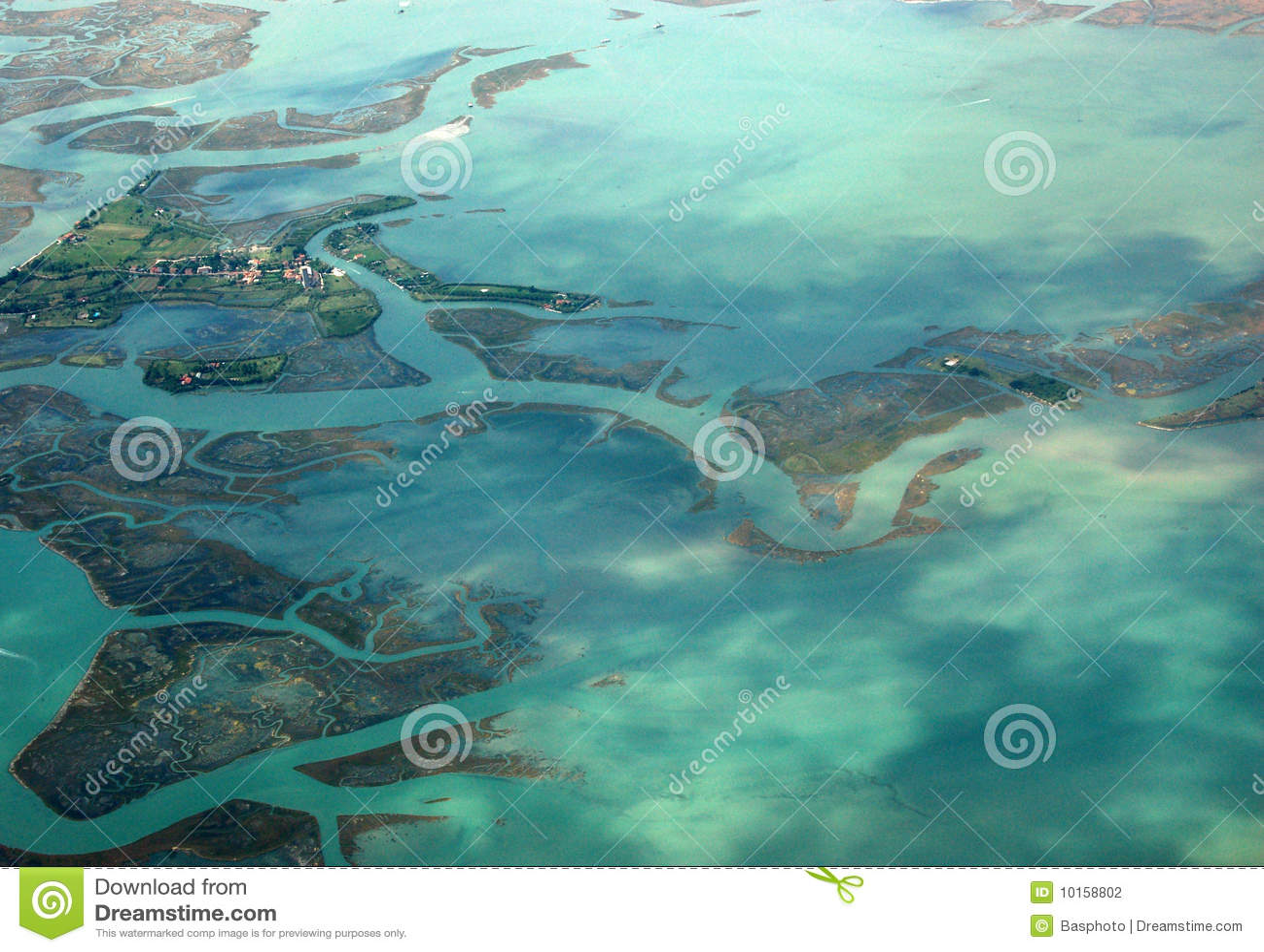 Venetiaans Eiland Torcello, dat van de lucht wordt bekeken