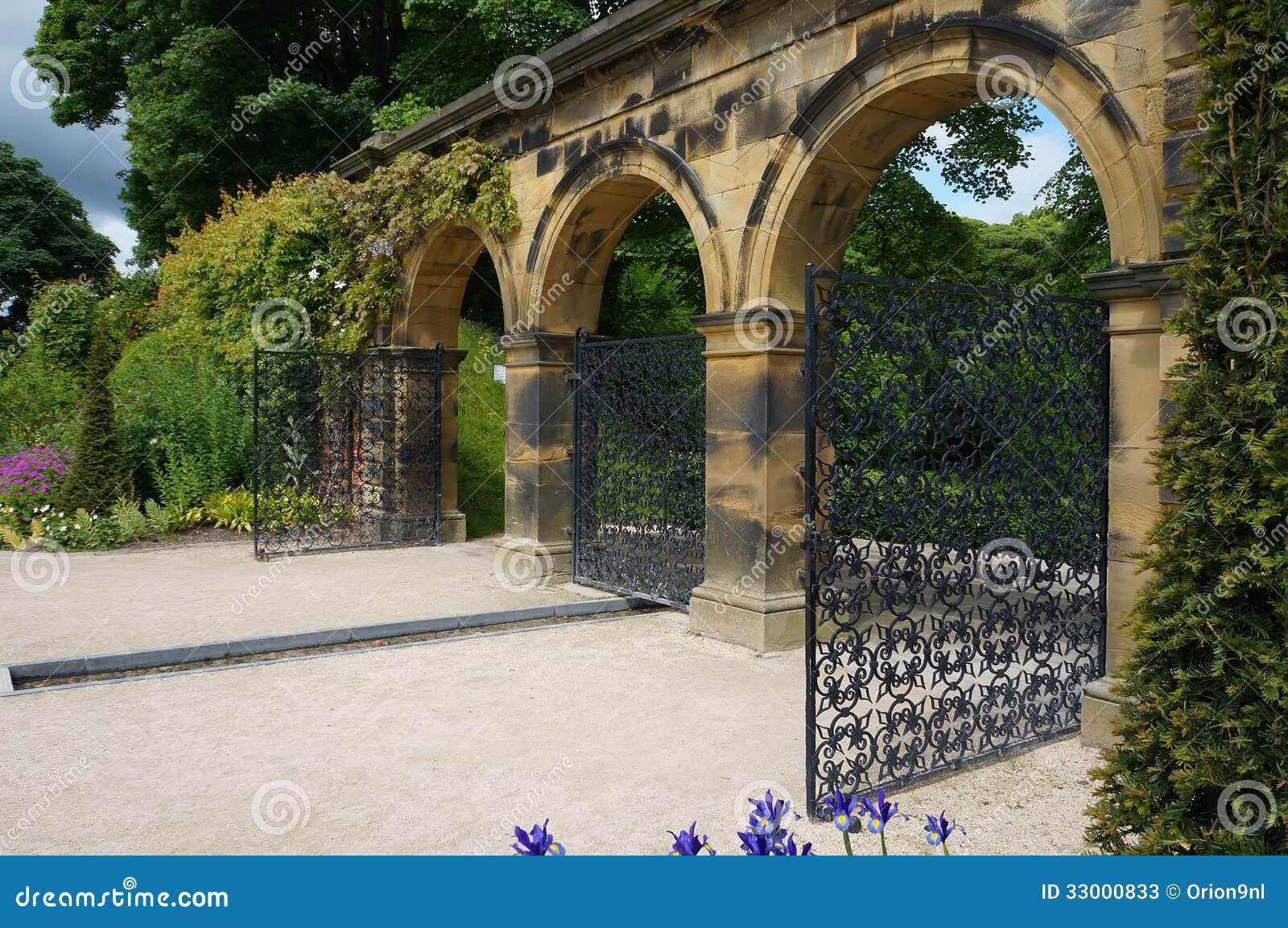 Alnwick Garden Gate Ornamental Venetian ...