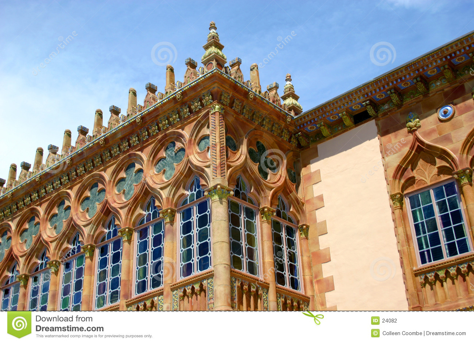 Venetian gothic okno