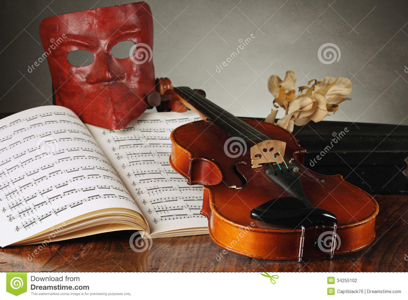 Venetian Mask With Old Violin Stock Photo - Image of venice