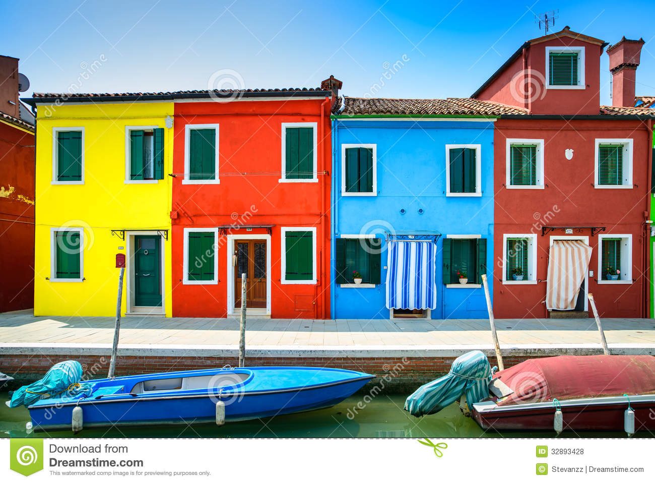venice landmark burano island canal colorful houses boats italy long exposure photography 32893428