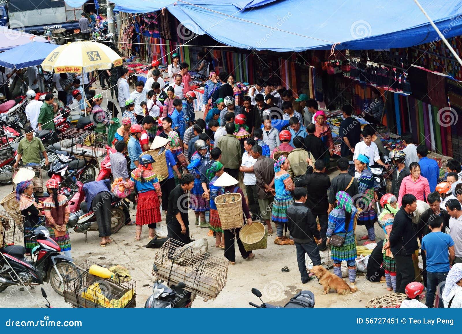 Venta animal en el mercado de Vietnam