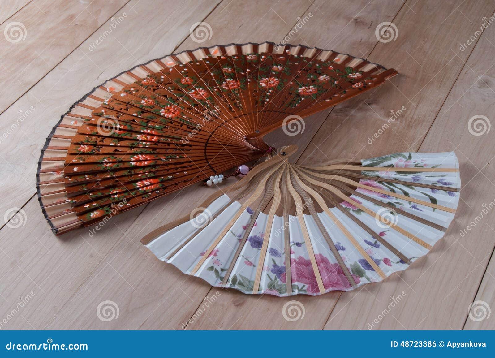 Ventagli spagnoli e giapponesi fotografia stock immagine for Ventagli spagnoli in legno