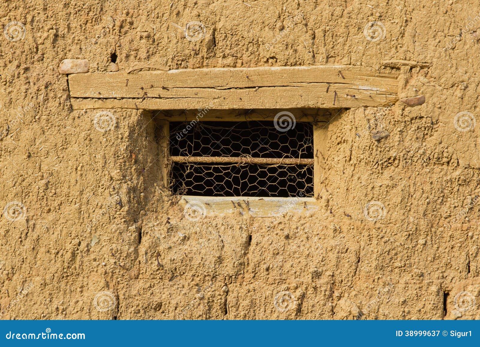 Ventana en la casa de adobe foto de archivo imagen 38999637 - Dintel de madera ...