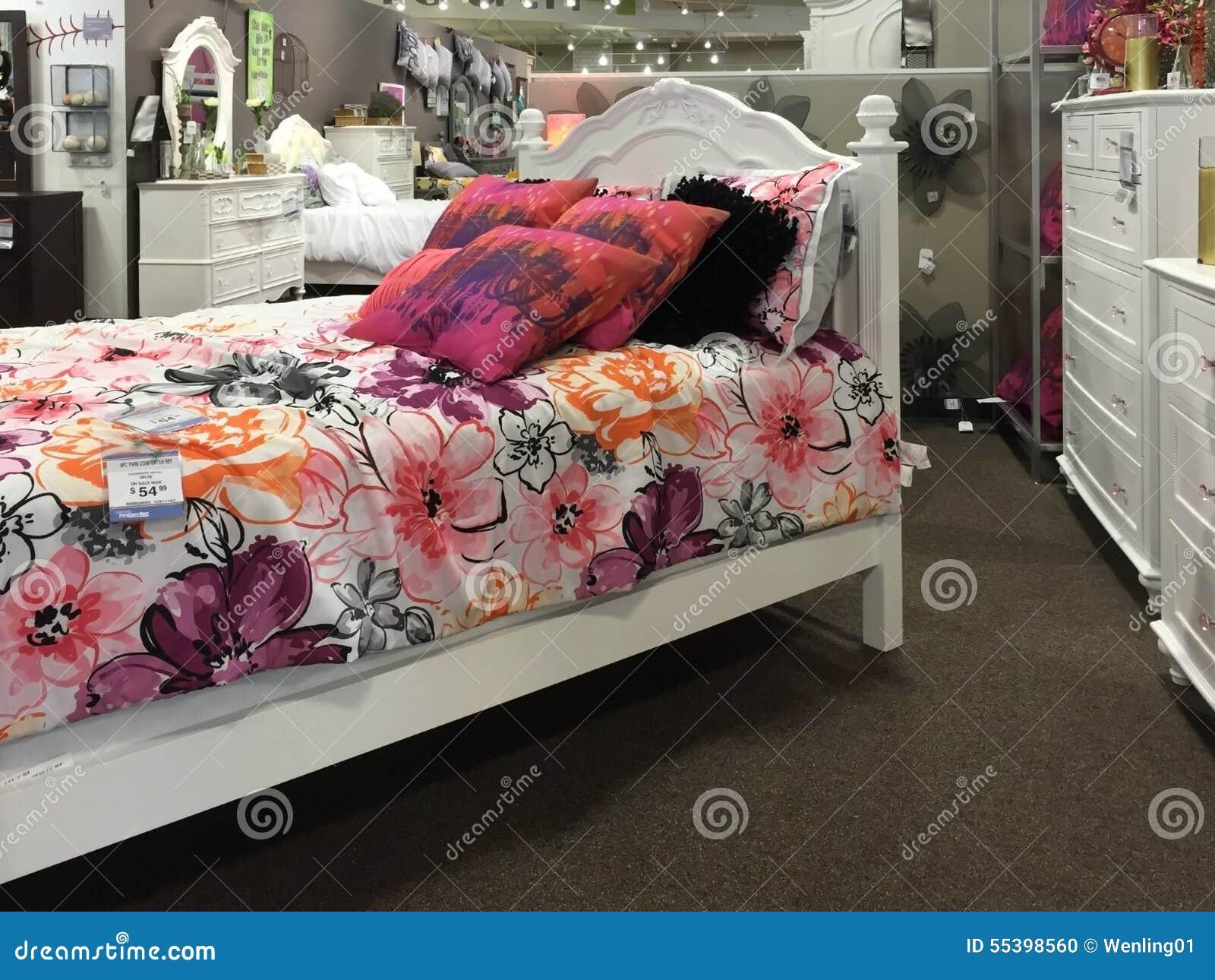 Vente de meubles de chambre à coucher d'enfants image éditorial ...