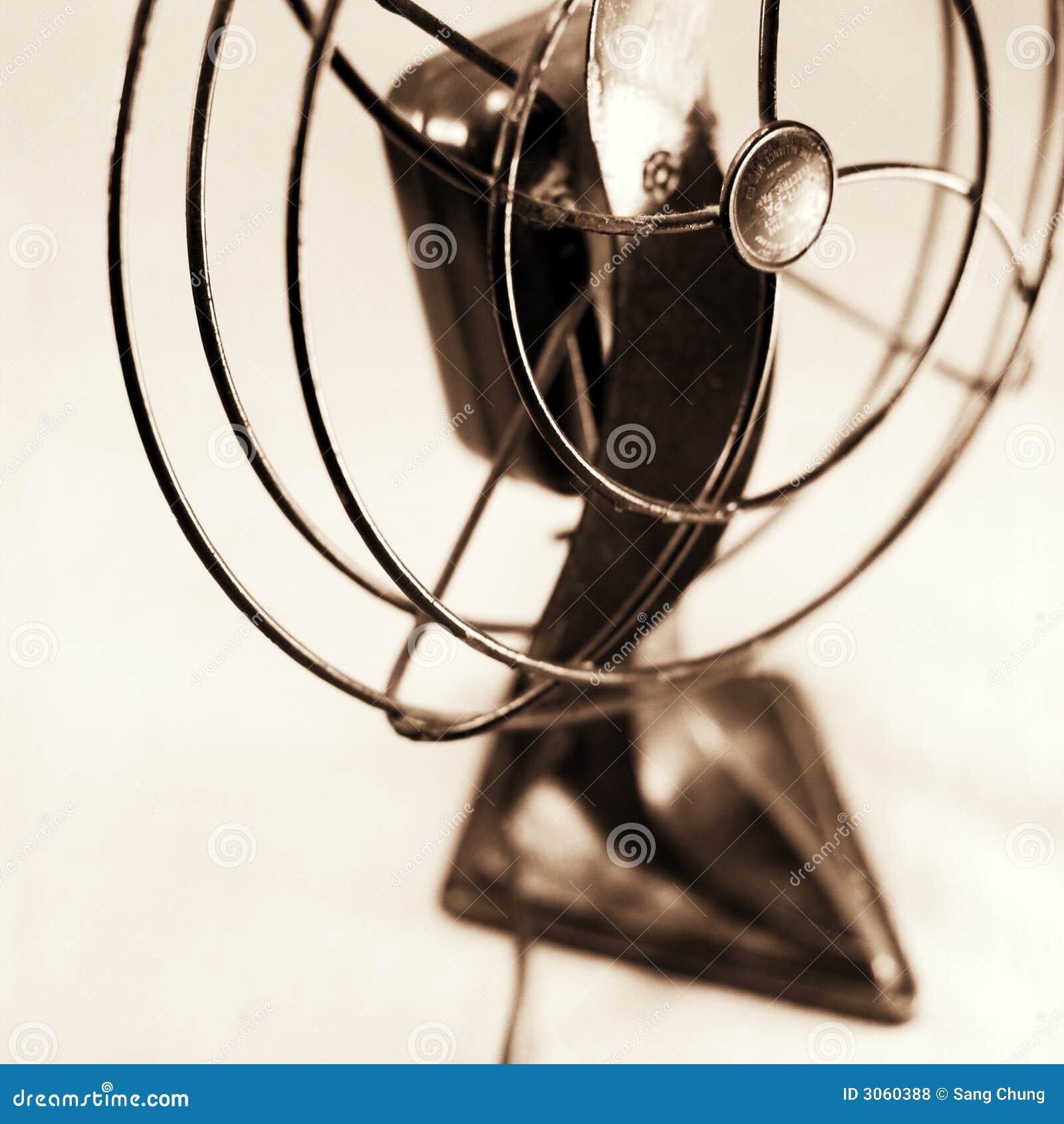 Ventilateur antique
