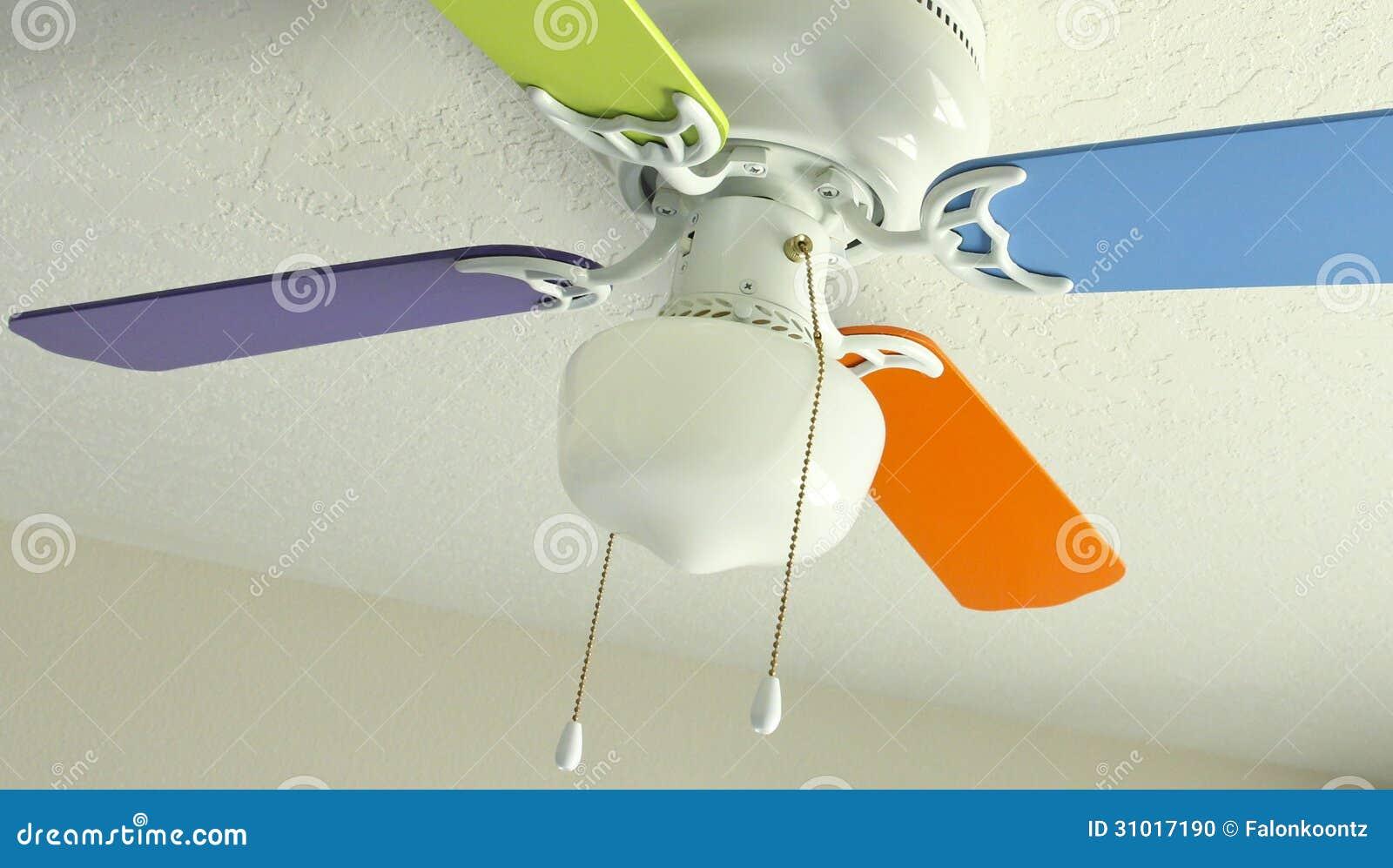 Ventilatore Da Soffitto Colorato Fotografia Stock - Immagine: 31017190
