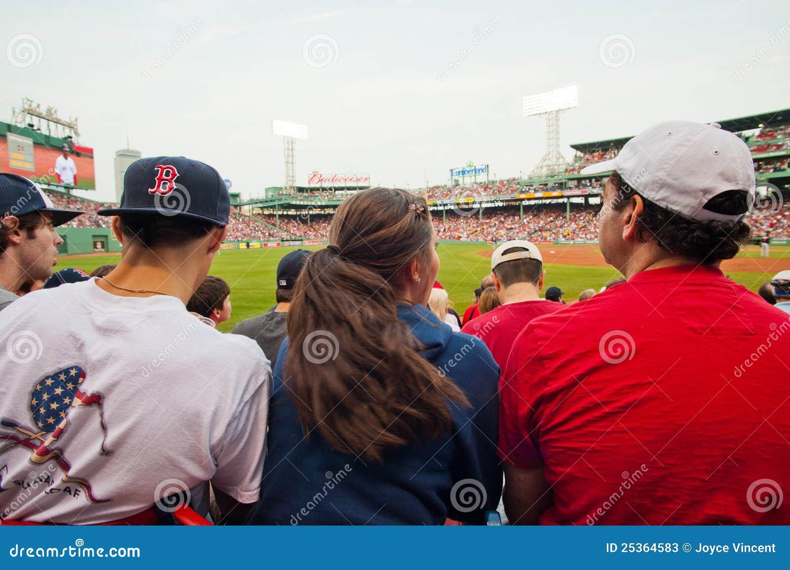 Ventilatorer spelar den Red Sox watchen