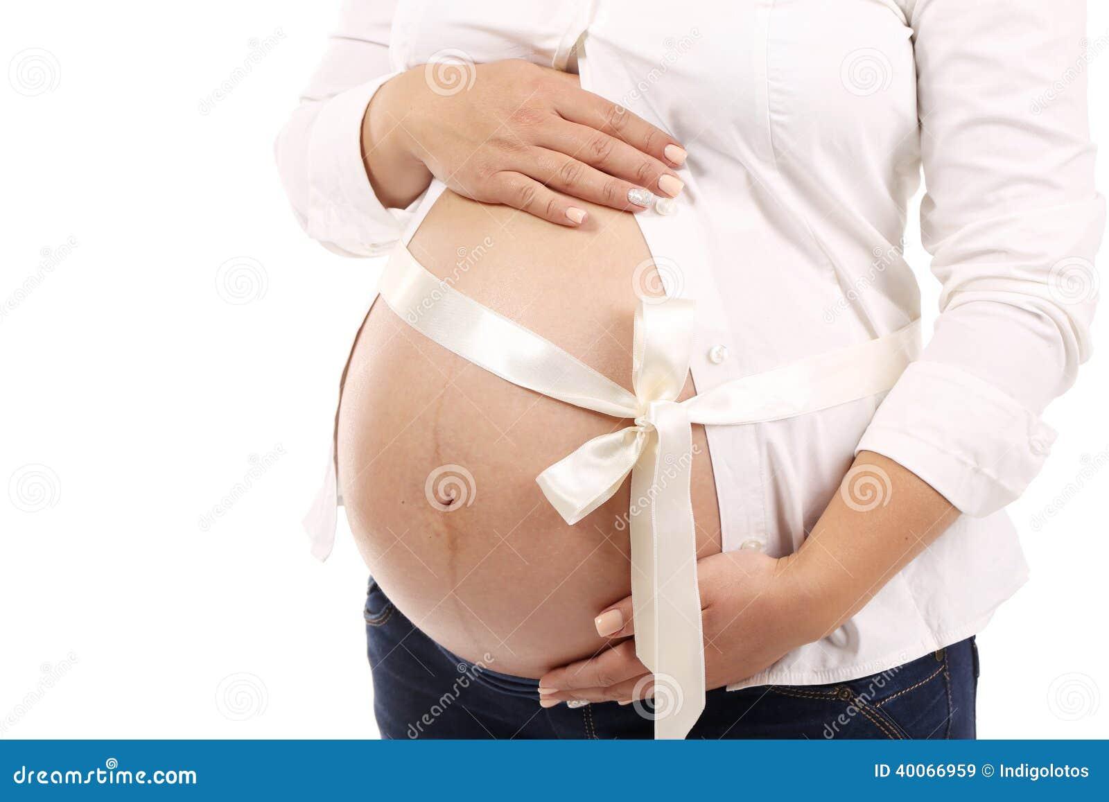 Ventre de femme enceinte.