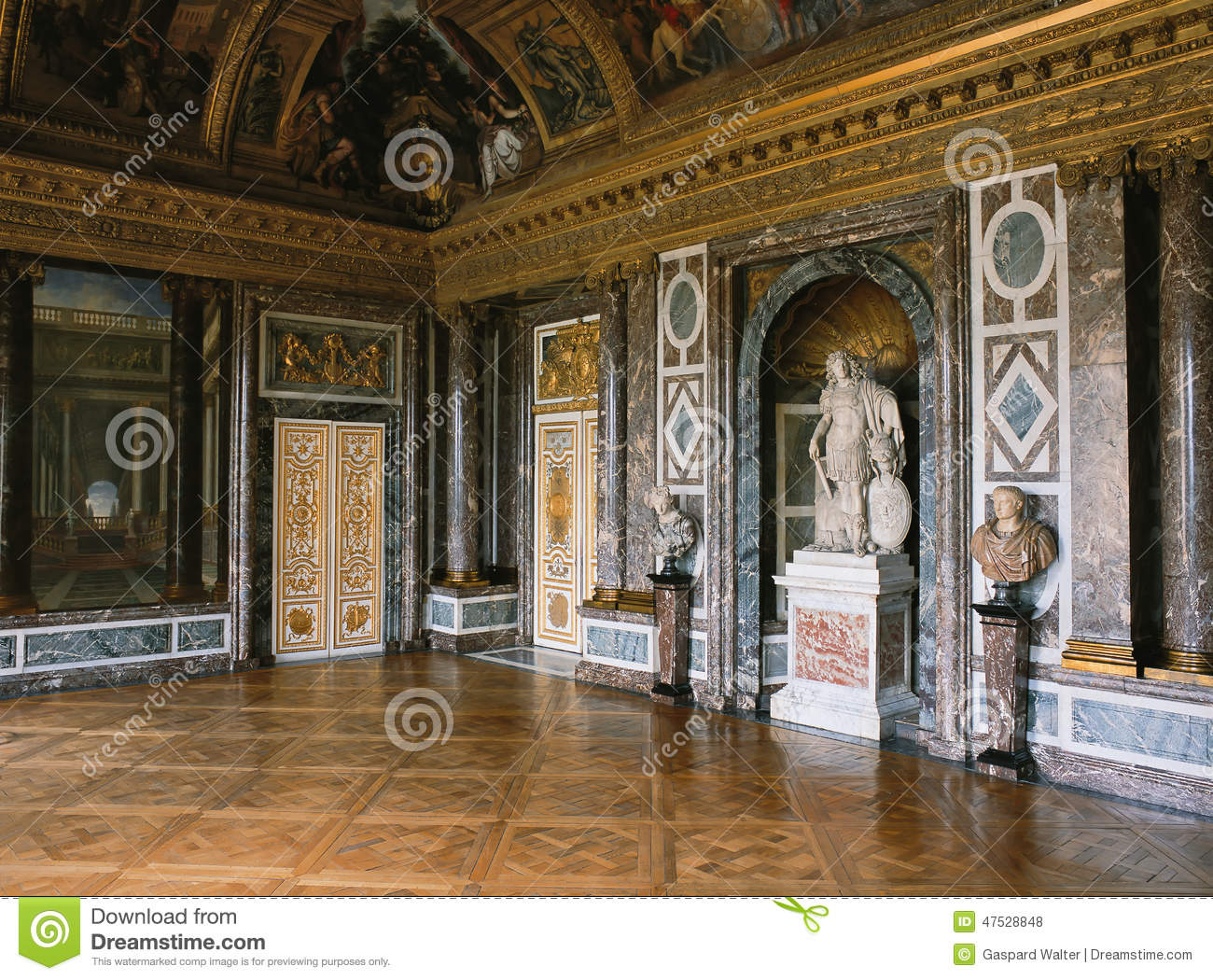 Venus salon marble wall and statue at versailles palace for Salon de versailles