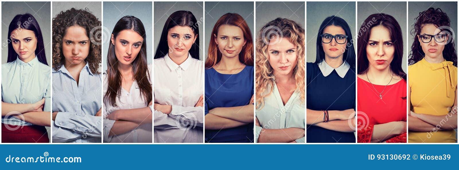 Verärgerte mürrische Gruppe pessimistische Frauen mit schlechter Haltung