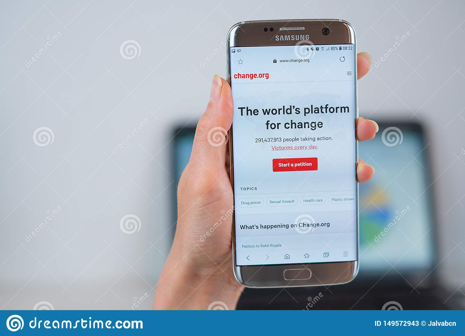 Verandering org website op mobiel wordt geopend die