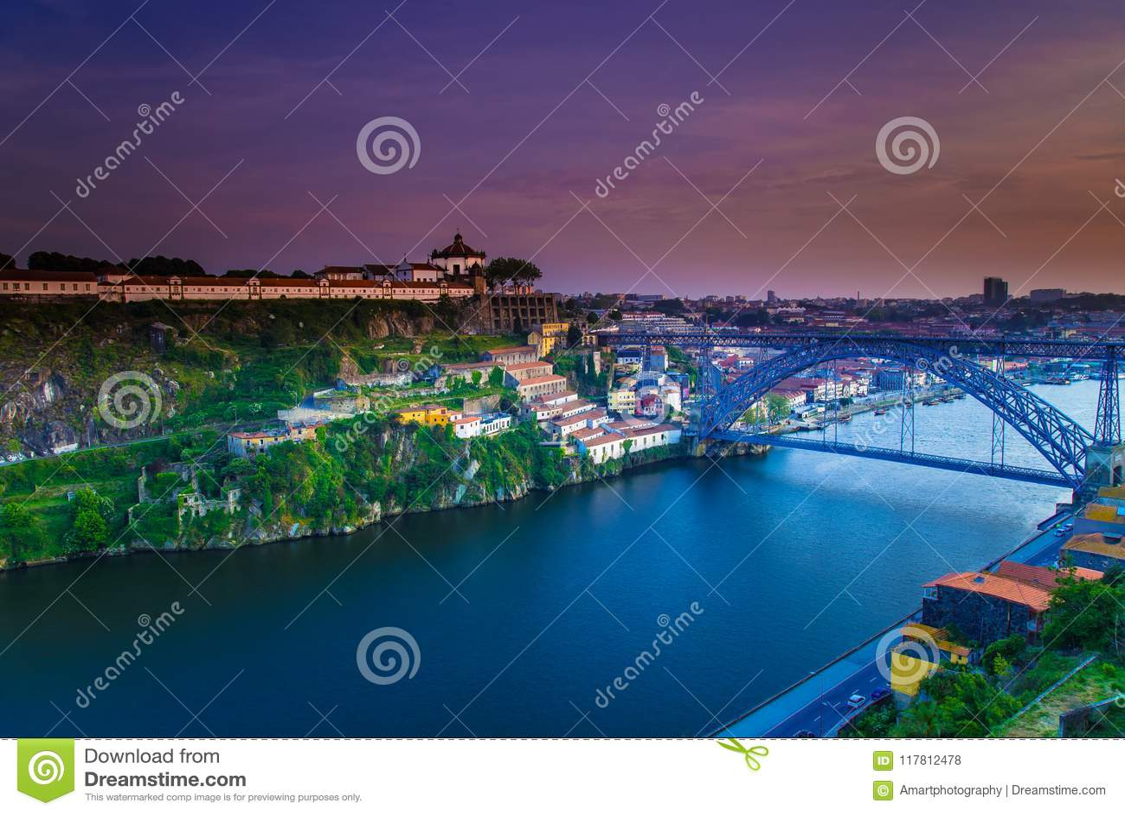 Verbazende Cityscape van Porto zonsondergang Portugal