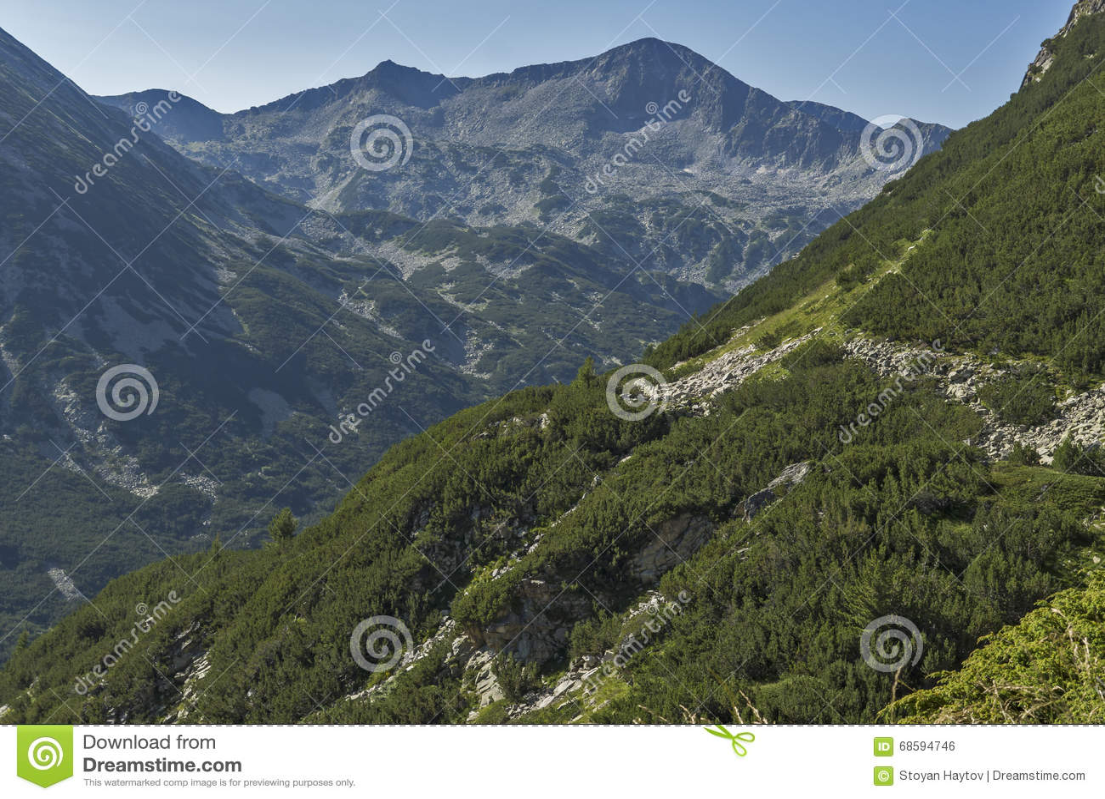 Verbazende mening van de piek van Banderishki Chukar, Pirin, Bulgarije