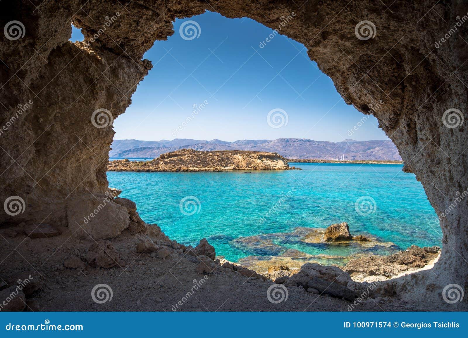 Verbazende mening van Koufonisi-eiland met magische turkooise wateren, lagunes, tropische stranden van zuiver wit zand
